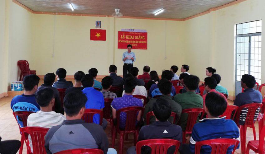 Khai giảng lớp đào tạo nghề lao động nông thôn xã Quảng Tân 2018